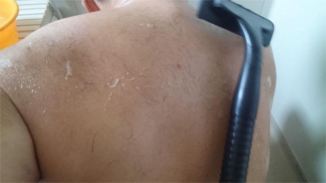 肩甲骨の辺りは斜めに持ち替え2