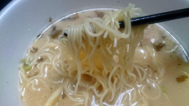 麺はストレート麺