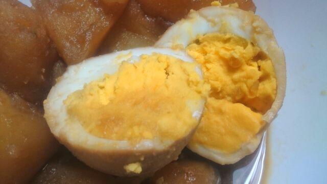 角煮の煮汁で煮た卵