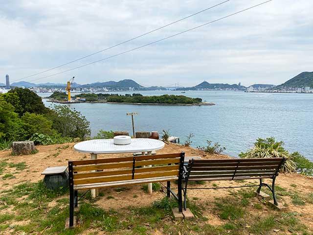巌流島の展望地から関門海峡を望む
