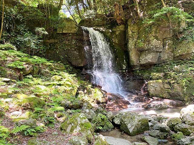 特仙の滝上段