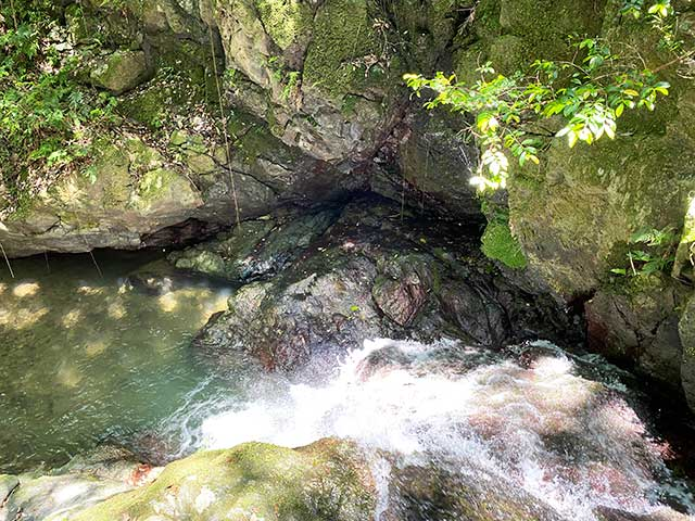 上から見た中山渓の雌滝